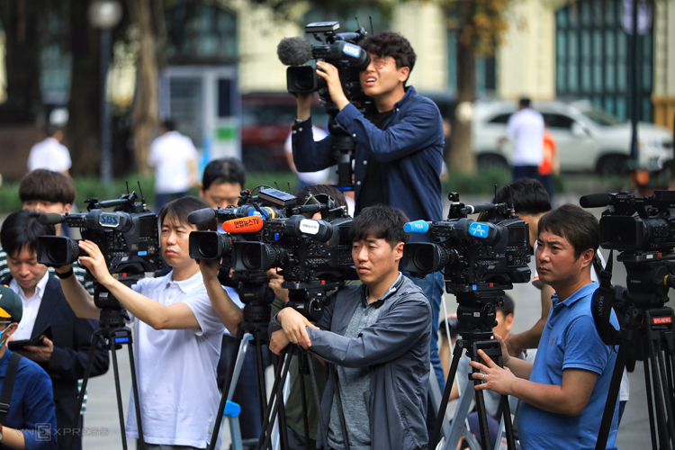 Vietnam railway offers free tickets for some 3,000 foreign reporters