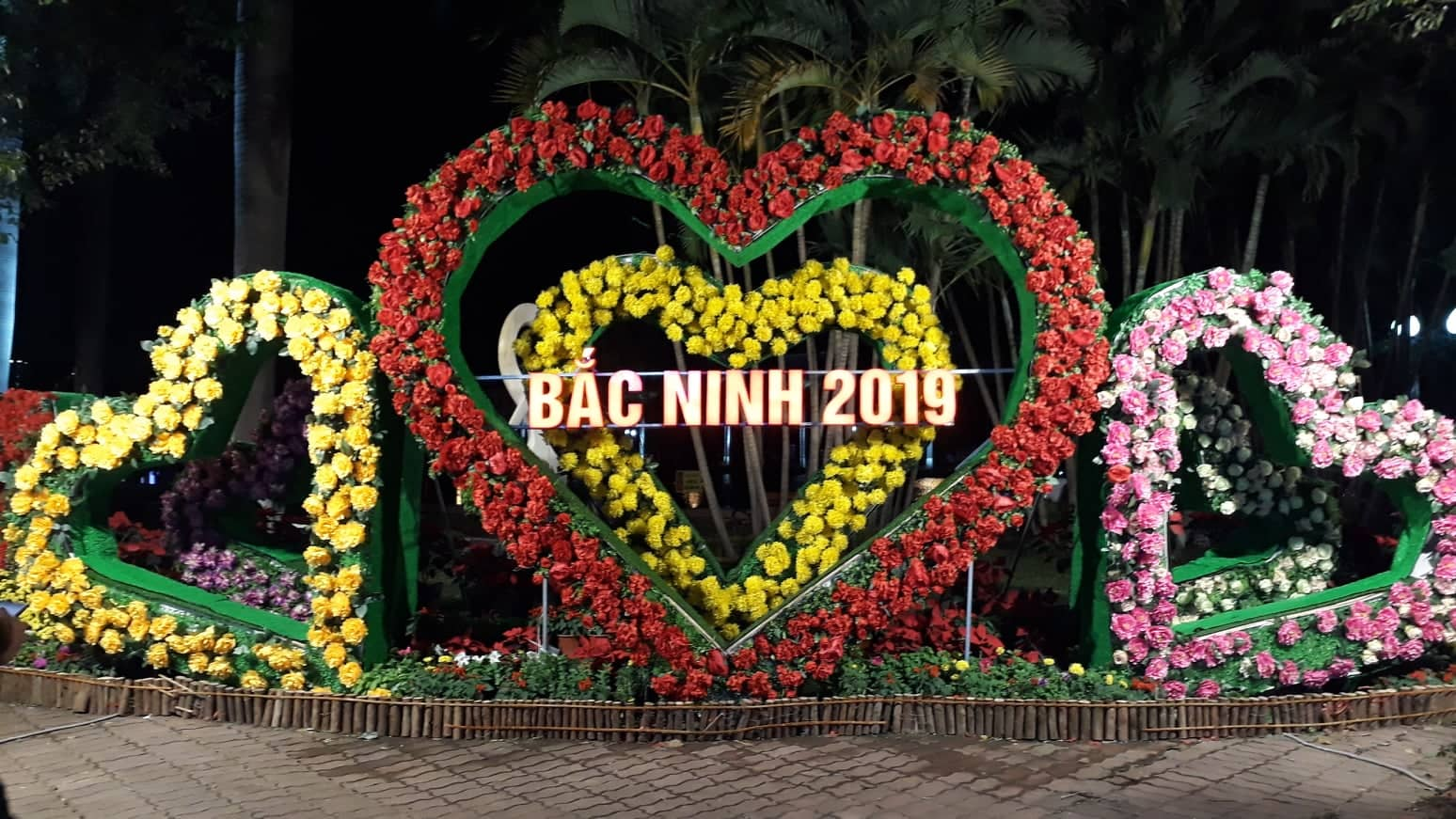 Sparkling festival atmosphere in Bac Ninh province