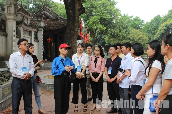 Bac Ninh provides free tours to tourism sites