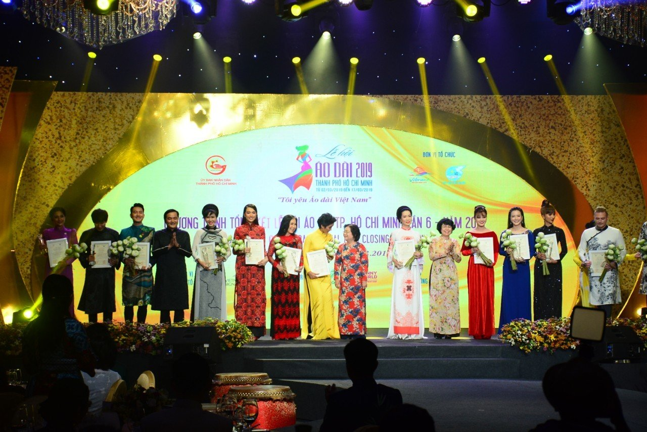 Over 100,000 visitors to Ho Chi Minh City Ao Dai Festival 2019