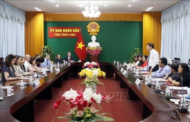 US legislative assistants visit Vinh Long province