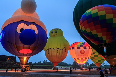 Hot air balloons to fly during Hue Traditional Craft Festival