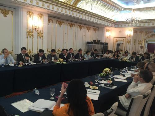 Vietnam, Cuba discuss reform of SOEs