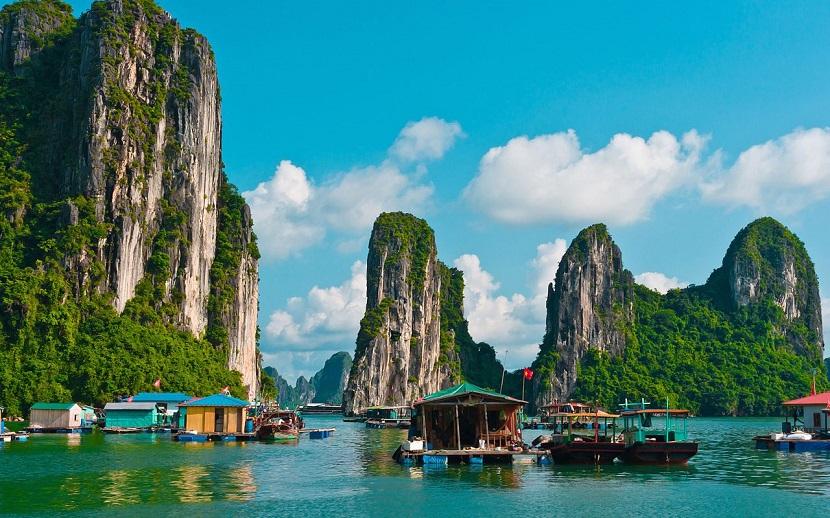 Ha Long Bay listed among most beautiful natural wonders