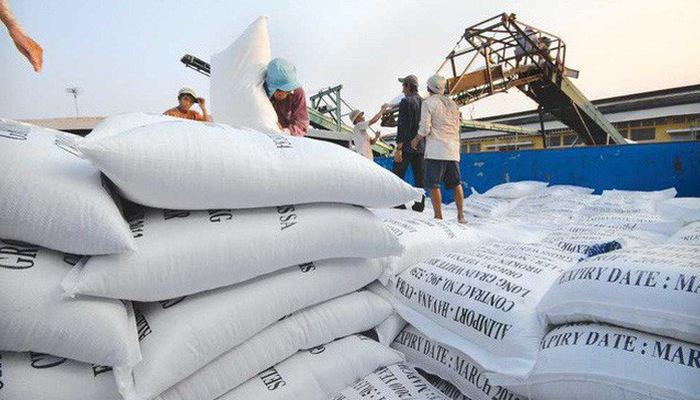 Vietnamese export rice price lower than Thailand