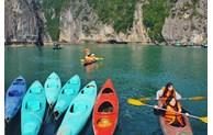 Kayaking in world heritage Ha Long bay