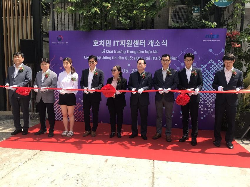 Vietnam, RoK boost cooperation in information technology