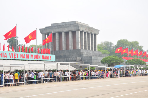 Vietnam recognizes Russian experts' merit in preserving President Ho Chi Minh's remains