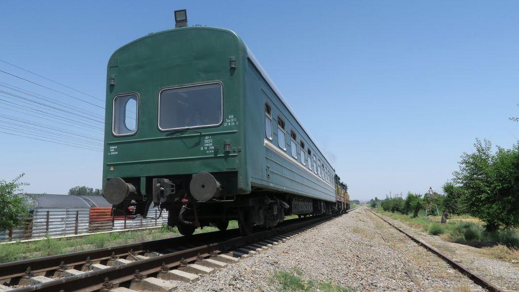 Uzbekistan modernizes railway fleet to improve services