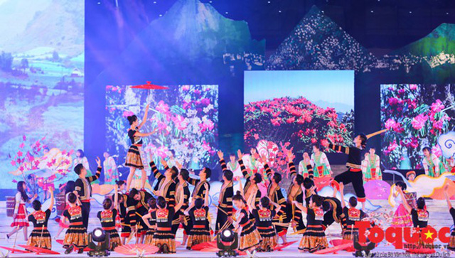 Nearly 1,000 artisans and people to participate in Vietnam - Laos border ethnic culture festival