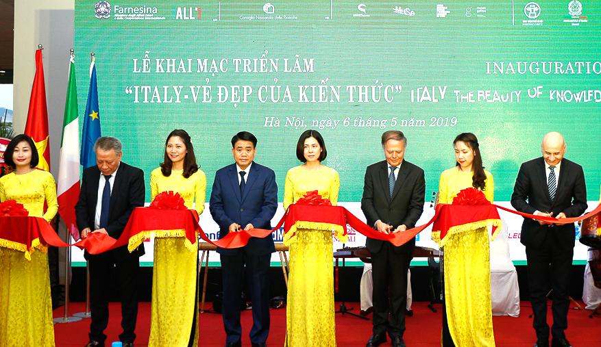 Exhibition on beauty of Italian knowledge in Hanoi