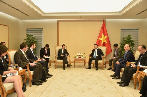 Vietnam, France expand cooperation in aviation