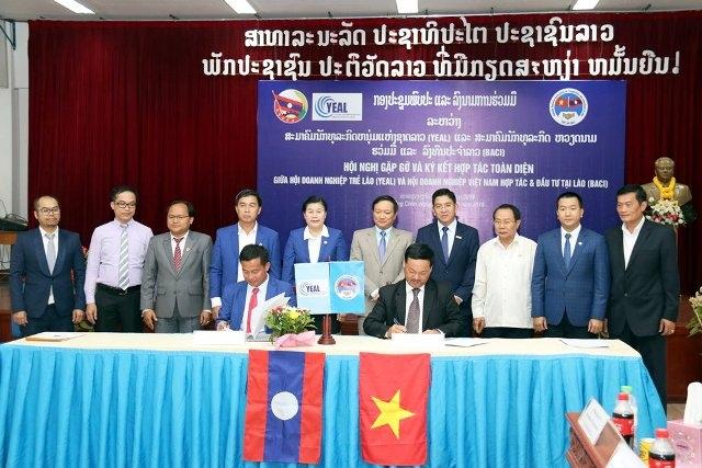Vietnamese, Lao businesses enhance partnership