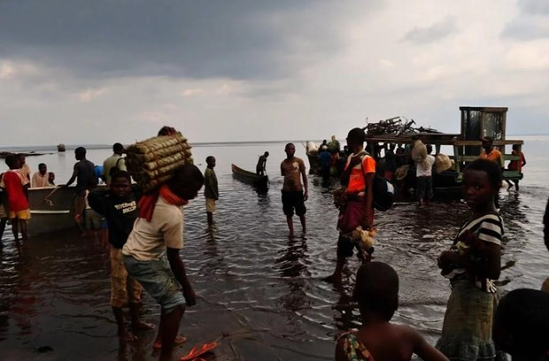 30 dead and 200 missing after boat sinking in Congo