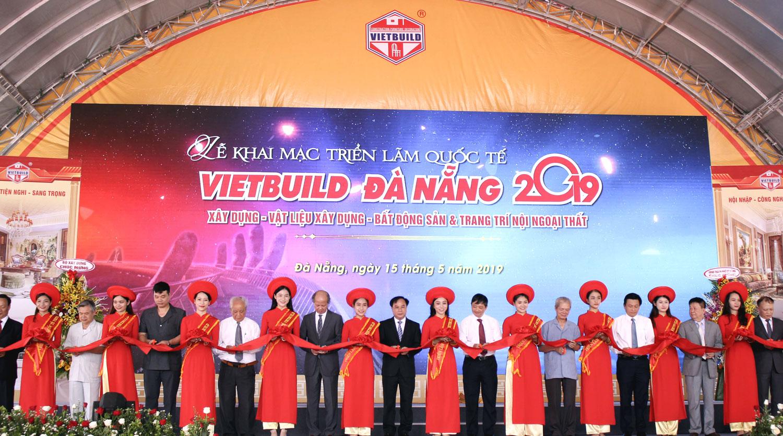 Over 1,000 booths join Vietbuild Da Nang 2019