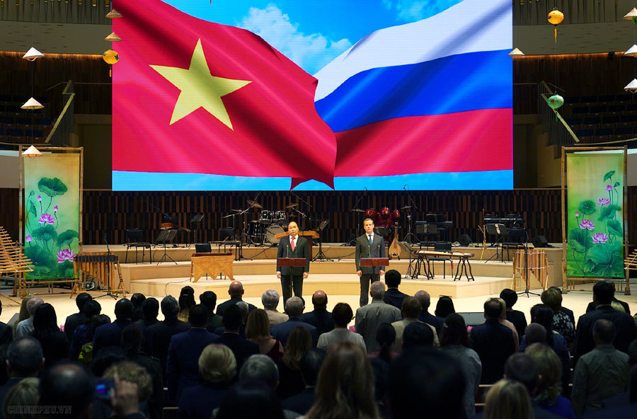 Russia expects to develop comprehensive strategic partnership with Vietnam
