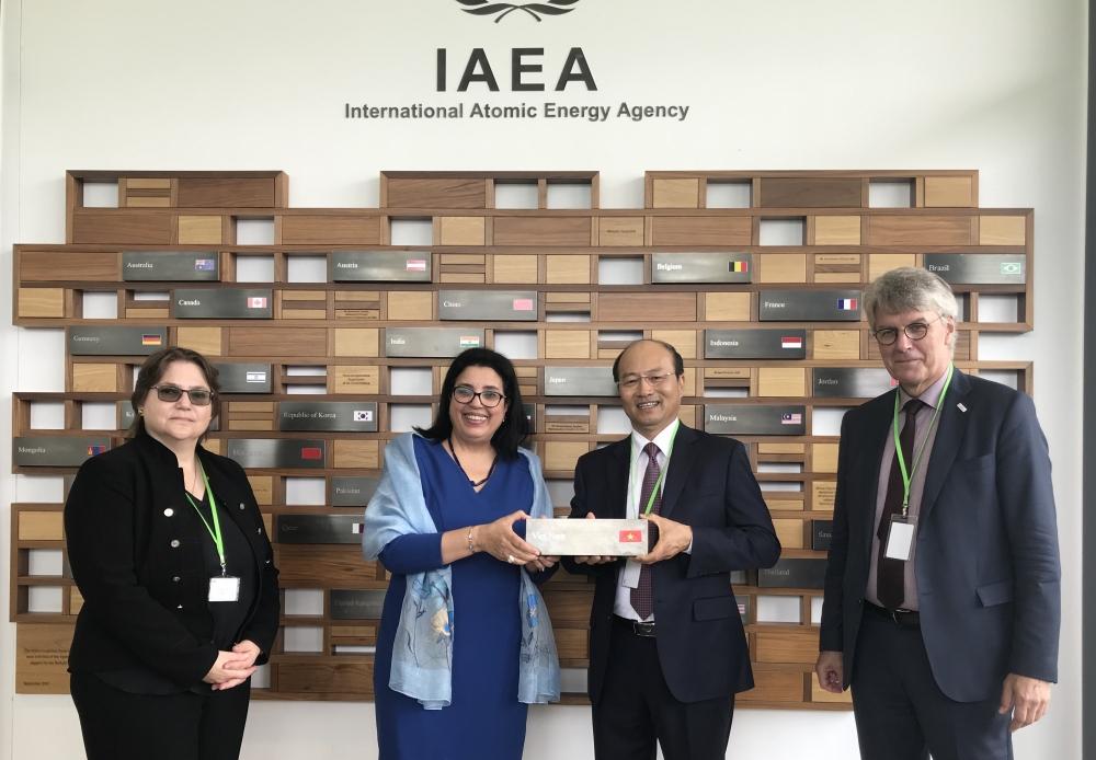 Vietnam makes contributions to IAEA hi-tech center