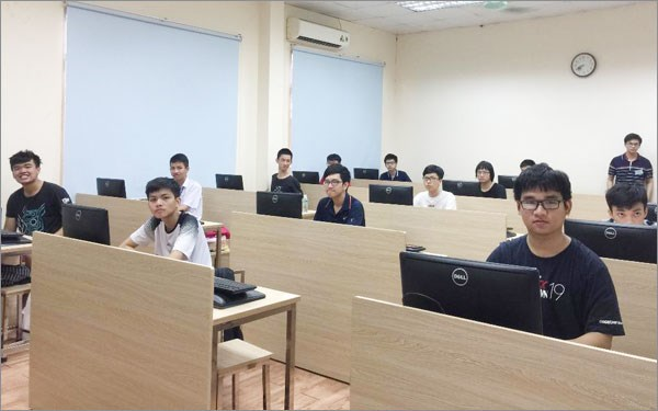 All seven Vietnamese students win silvers at Asian Informatics Olympiad