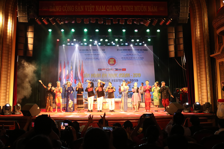 ASEAN Music Festival 2019 closes