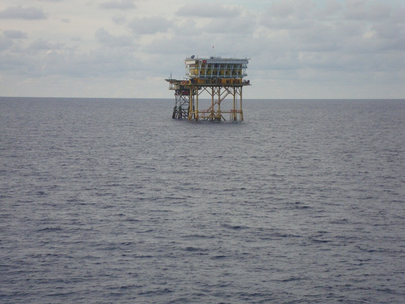 Offshore fulcrums