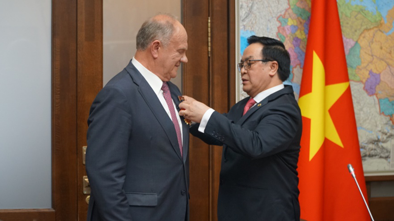 Russia attaches great importance to strengthening friendship and partnership with Vietnam