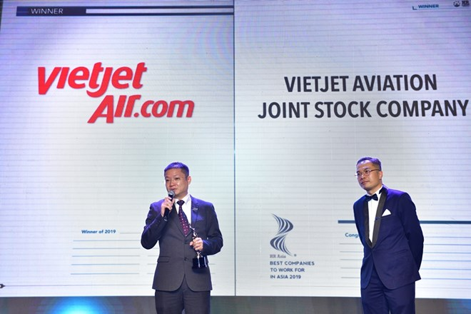 Fifty Vietnamese companies listed winners of 'Best companies to work for in Asia' award