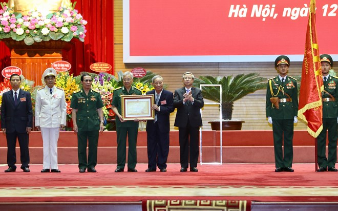 Vietnamese experts in Cambodia receive top honour