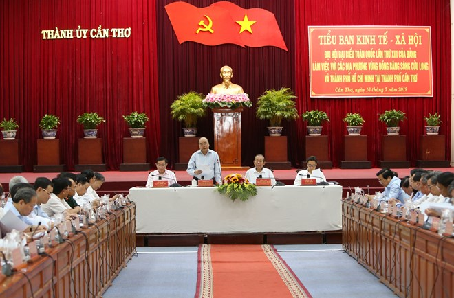 PM requests Mekong Delta to make breakthrough changes in mindset, actions