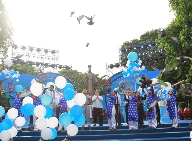 Ceremony marks 20 years of Hanoi receiving 'City for Peace' title