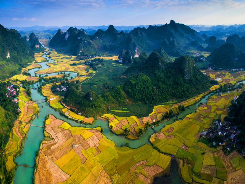 Non nuoc Cao Bang among world's 50 best views