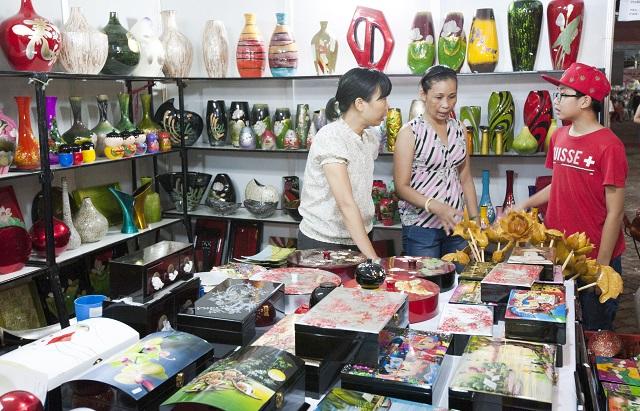 Hanoi recognizes Bat Trang as tourist destination