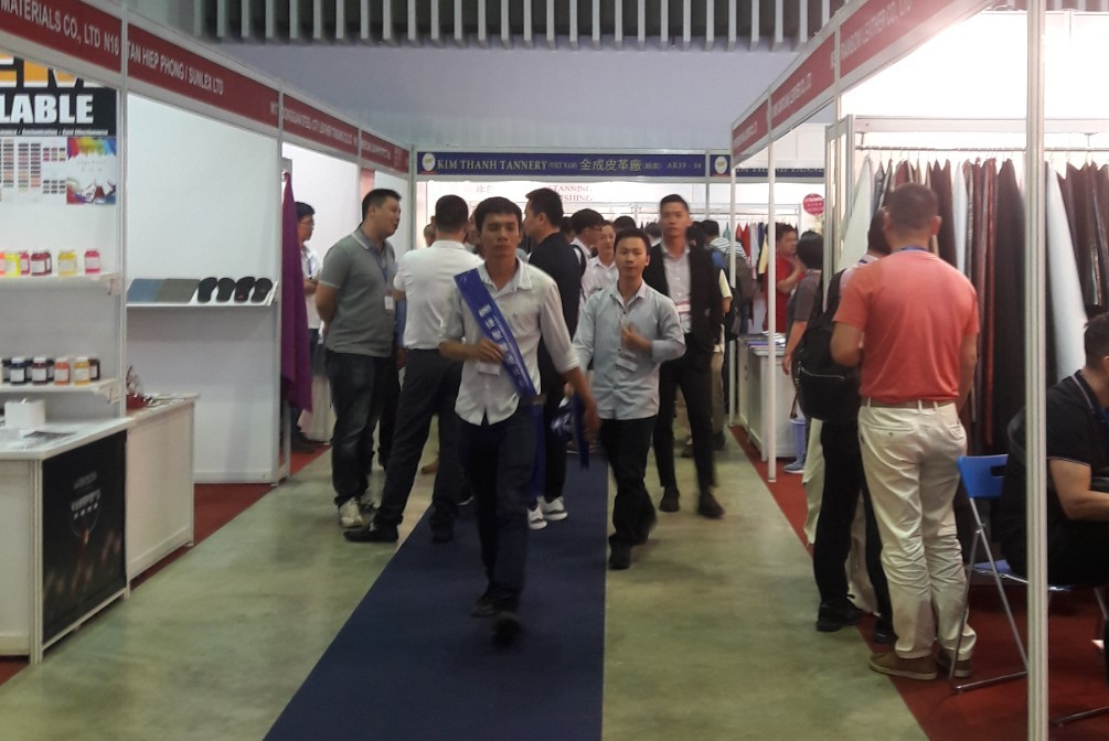 Some 700 producers and suppliers join international leather and shoes expo