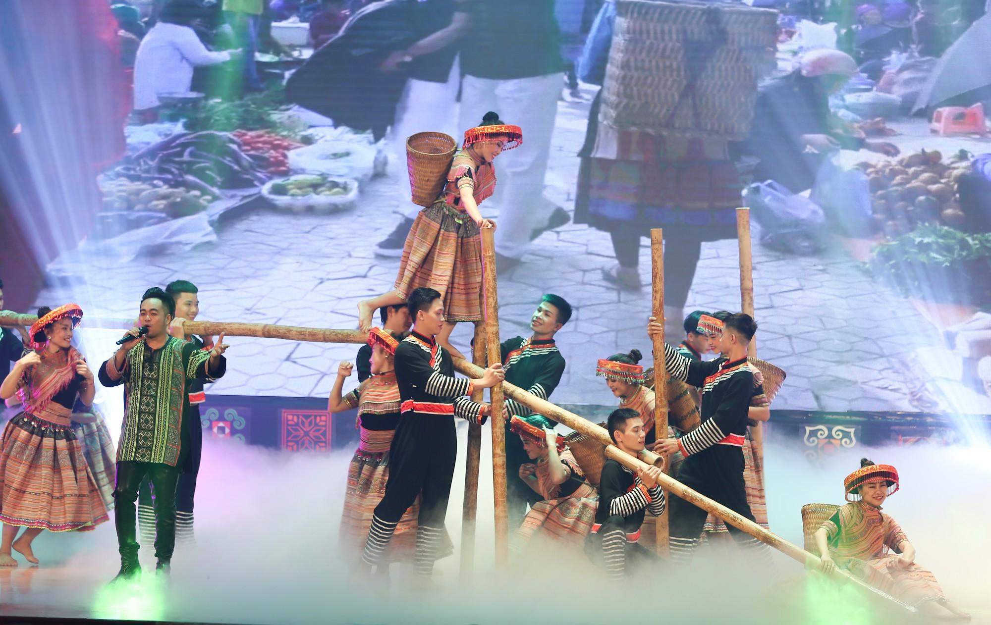 Festival introduces northwestern ethnic culture