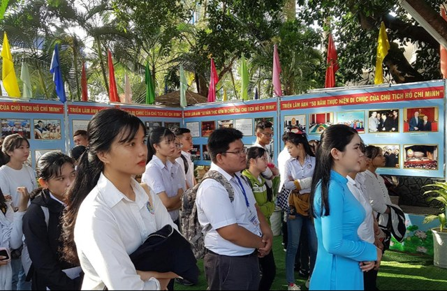 Exhibitions mark 50th anniversary of President Ho Chi Minh's testament