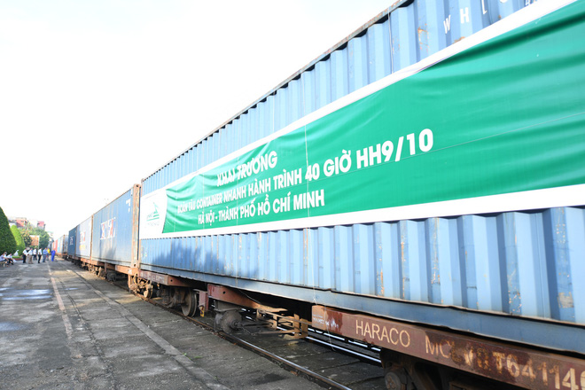 Container train running from North to South takes only 40 hours