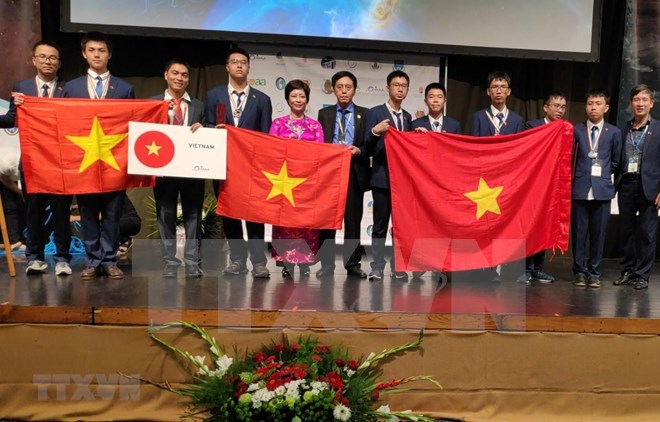 Vietnam claims 7 medals at int'l astronomy-astrophysics Olympiad