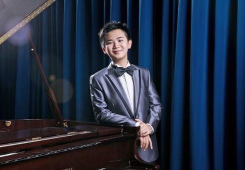 13-year-old Hong Kong piano prodigy returns to HCM City