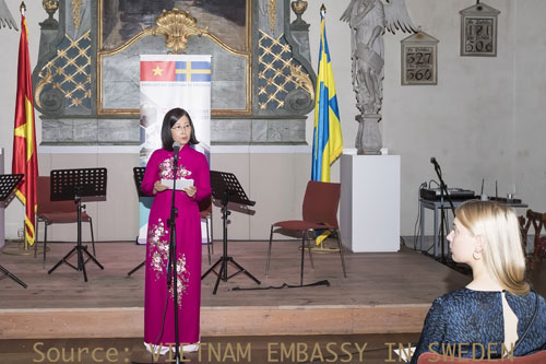 Music unites Vietnamese with Swedish