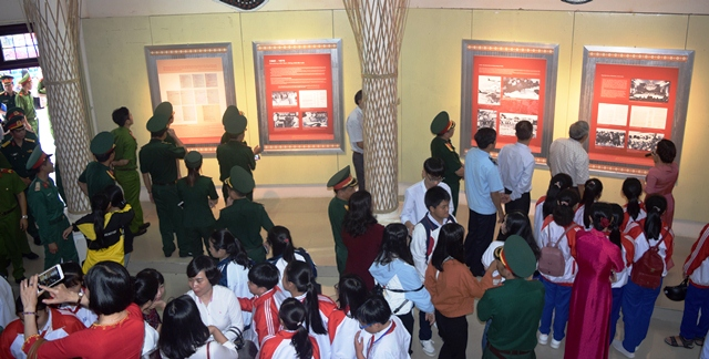 Exhibition in Kon Tum marks the 50-year implementation of President Ho Chi Minh's testament