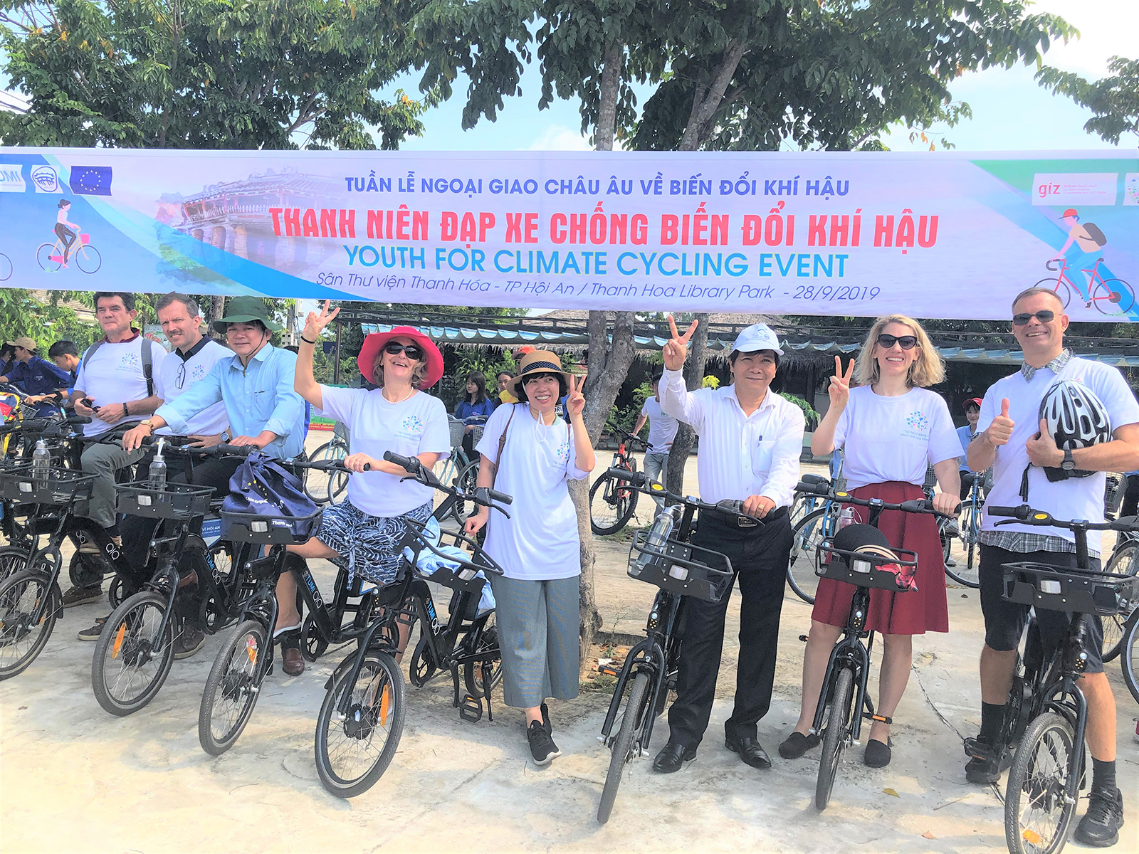 Hoi An city: Encourage young people to use bicycles in urban area