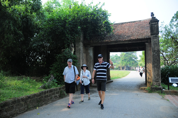 Duong Lam ancient village recognized as tourism destination