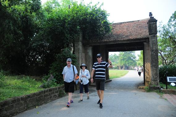 Duong Lam ancient village recognized as tourism destination