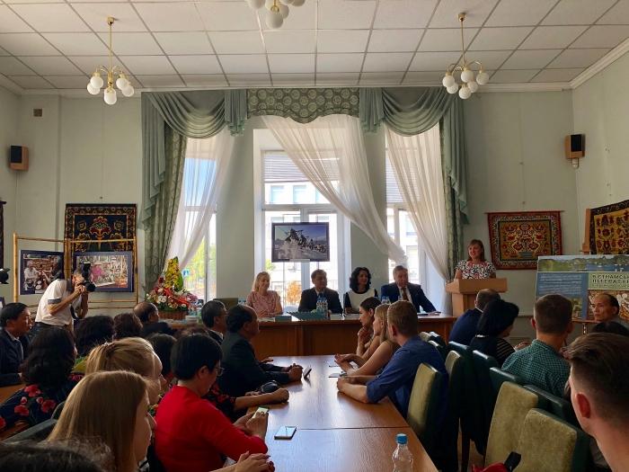 "Book ""Vietnamese literature"" in Ukrainian language introduced"