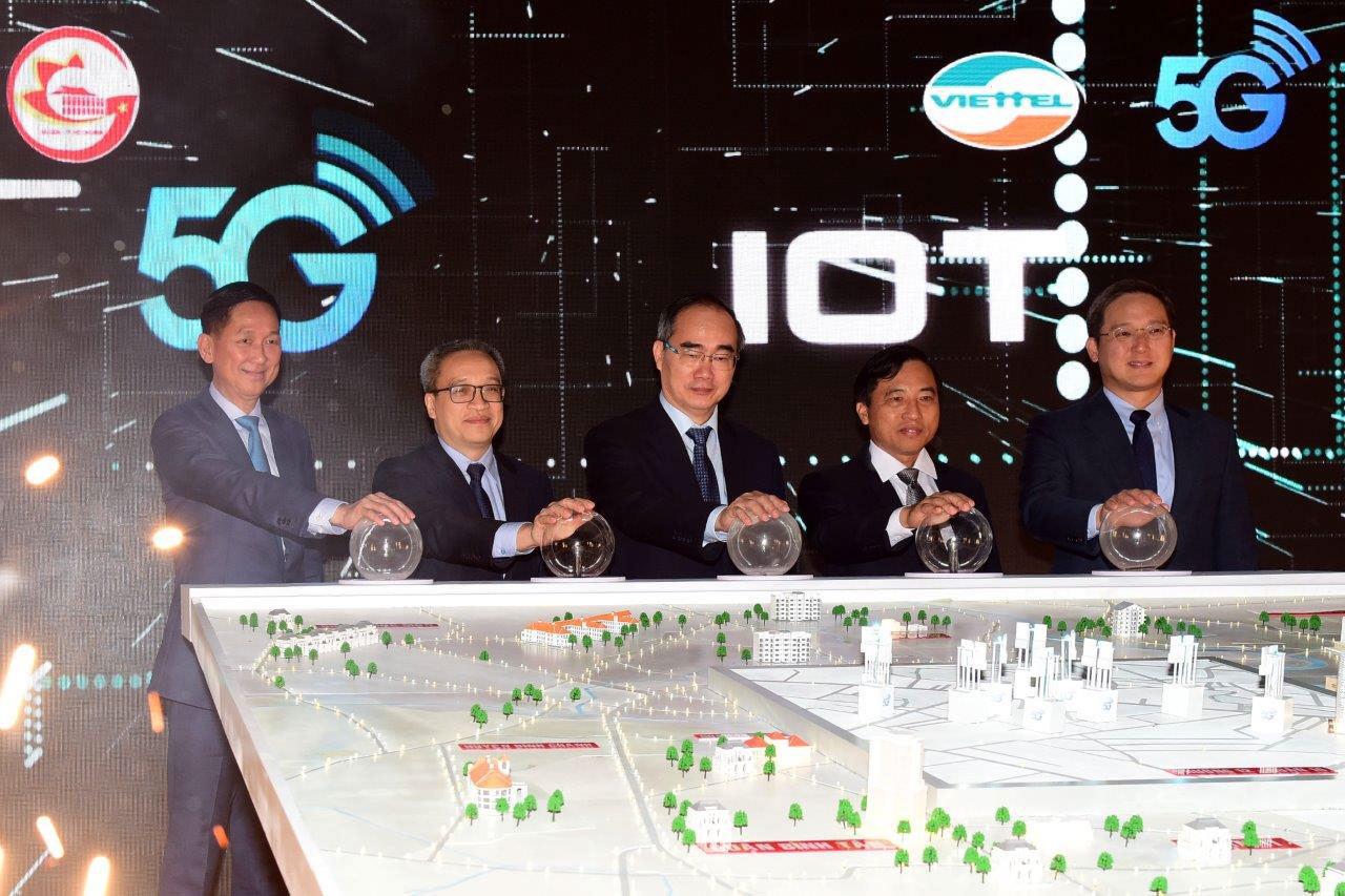 Viettel offers 5G and operates IoT in HCMC