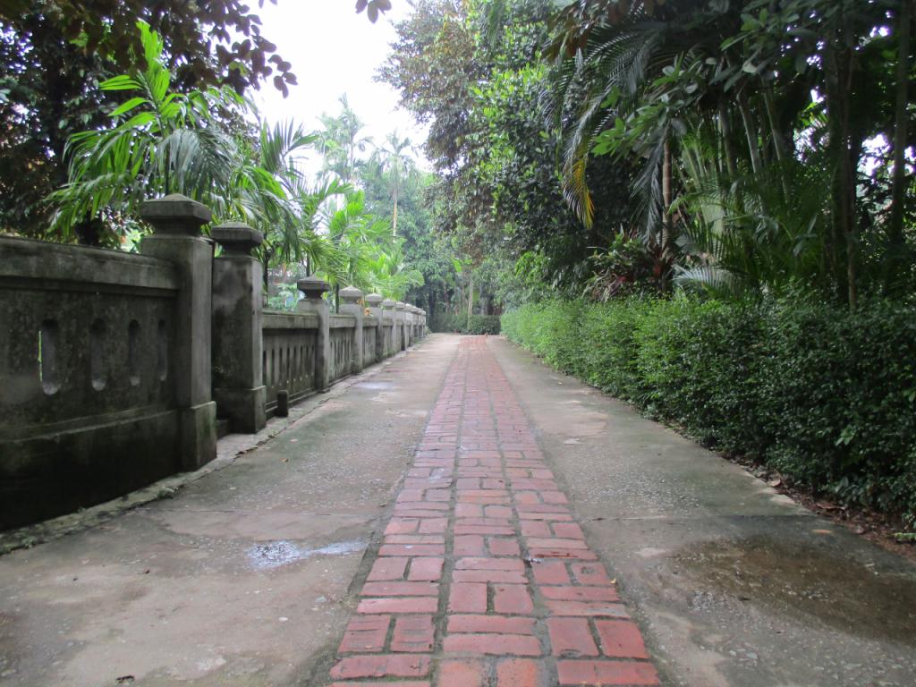 Thua Thien Hue recognizes Phuoc Tich ancient village as tourism destination