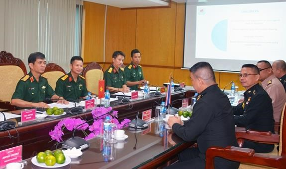 Vietnam enhances cooperation in UN peacekeeping with UK, Thailand