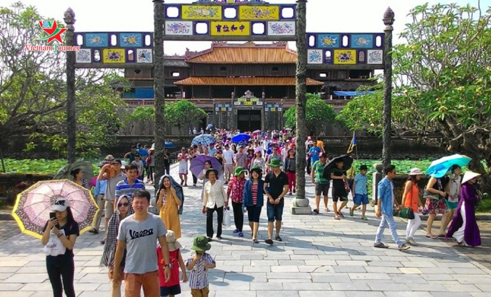 Thua Thien – Hue receives nearly 3.4 million visitors in eight months