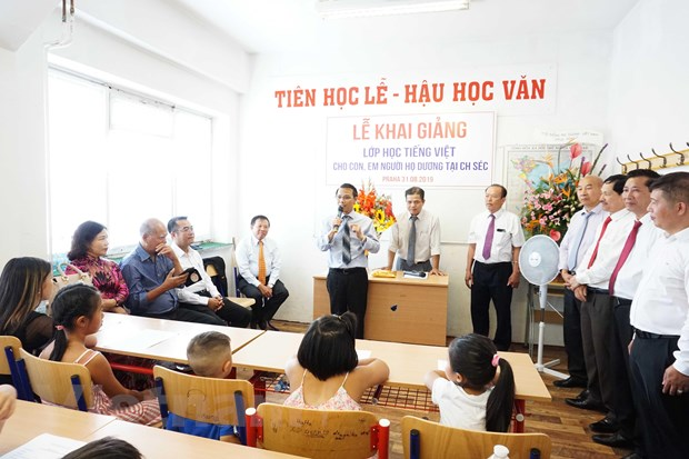 Learning Vietnamese language in Czech Republic promoted