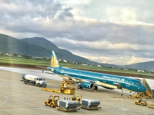 Vietnam Airlines works to complete procedures for direct flights to US