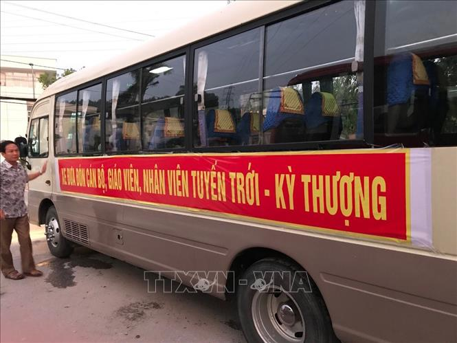 Teachers working in remote mountainous communes shuttled by bus